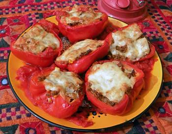 Kořeněné plněné papriky
